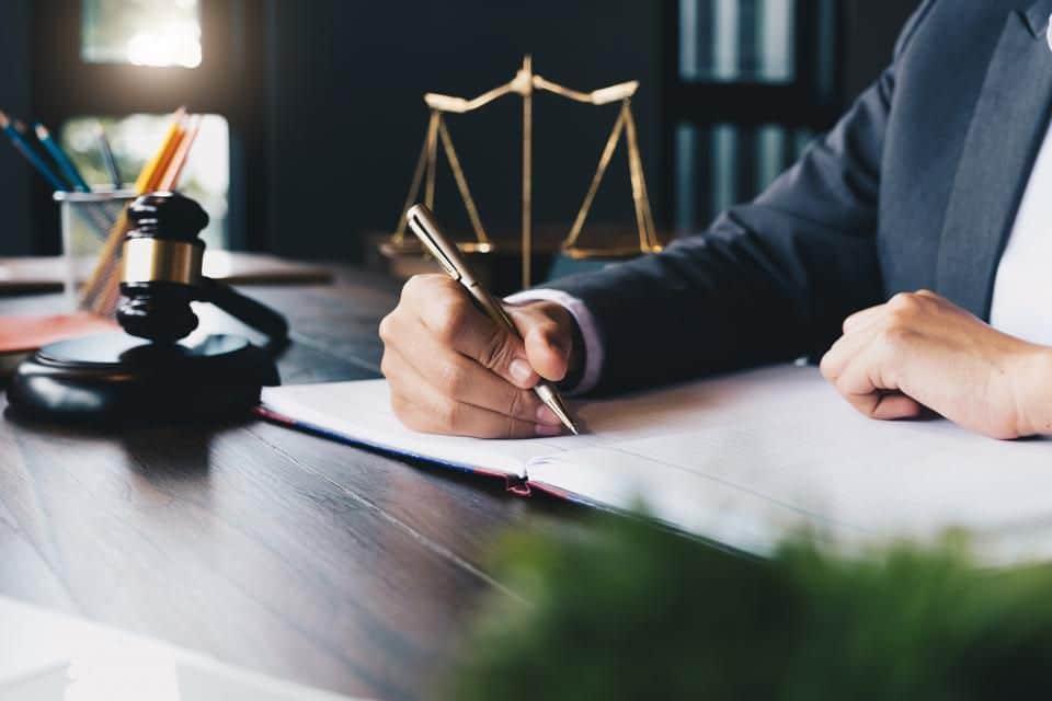 Derechos del cliente al contratar un abogado